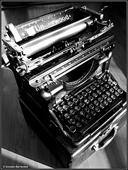 old-typewriter